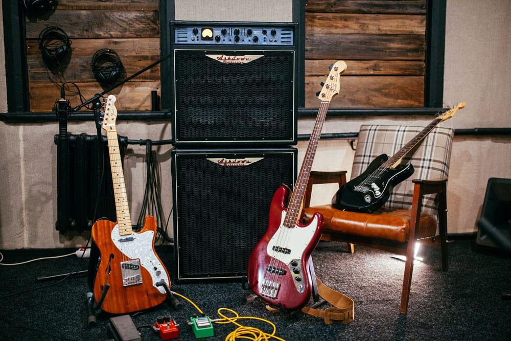 Тон-зал. Fender Jazz Bass. Студия звукозаписи Харьков. Driben Records.